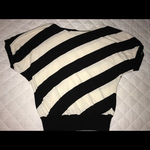 Michael Korda 3/4 sleeve shirt